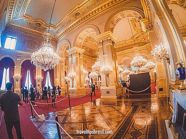palais-royal-interior